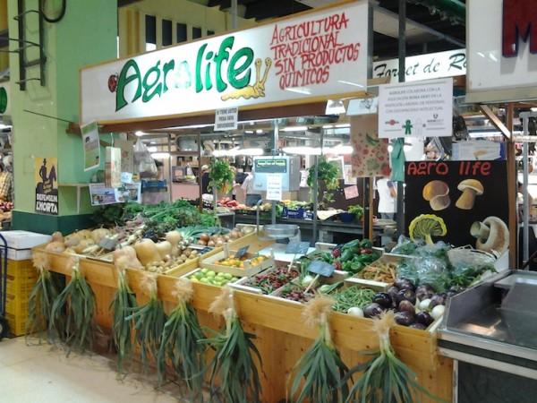 El puesto de Agrolife en el mercado de Ruzafa
