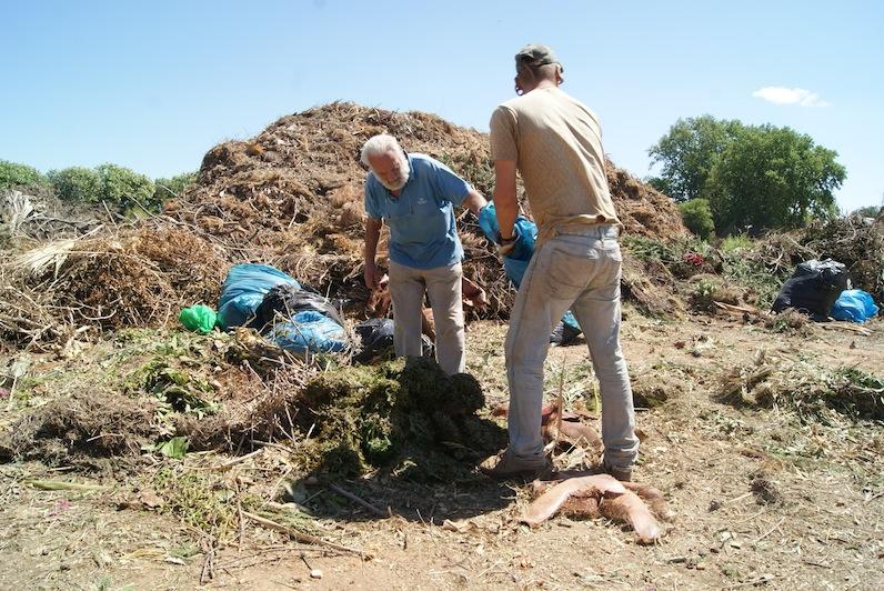 Josep Martí en el área de compostaje de La Peira