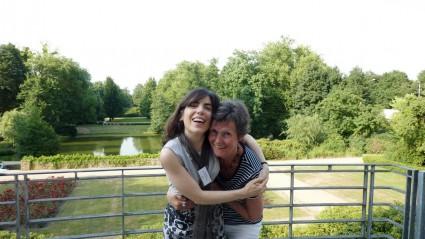 Con la ilustradora, cantante y dramaturga argentina Isol, a quien Hedda traduce