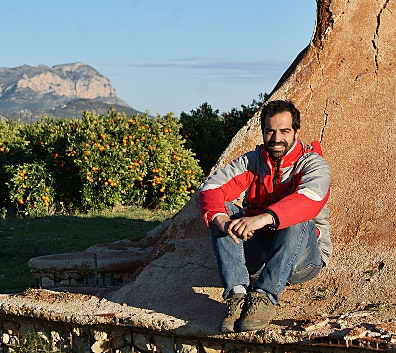 José Manuel, su huerto de naranjos eco y el Montgó