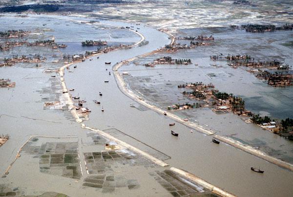 Inundaciones de Bangla Desh de 1988. Fotografía tomada de la página Geceka: las peores inundaciones.