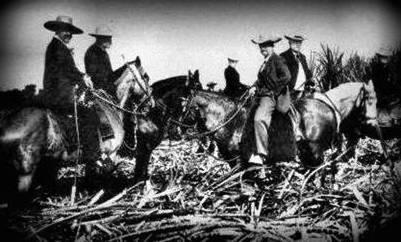 Hacendados mejicanos vigilando sus posesiones. Foto tomada de la página Historia de Casa Grande.