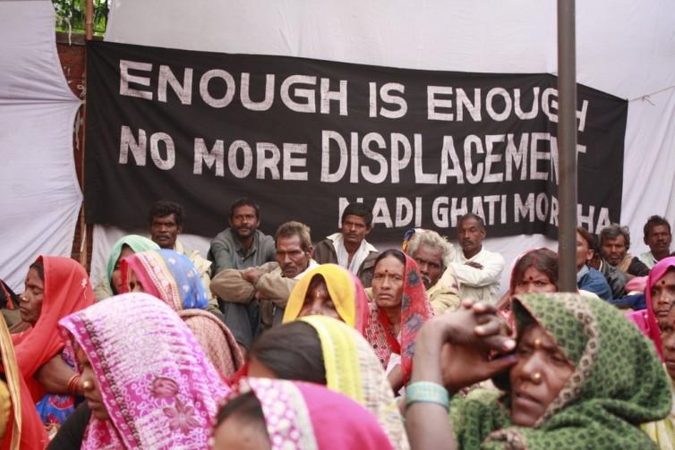 Una protesta actual de campesinos hindúes que re resisten a ser desplazados de sus tierras. Foto tomada de Grain