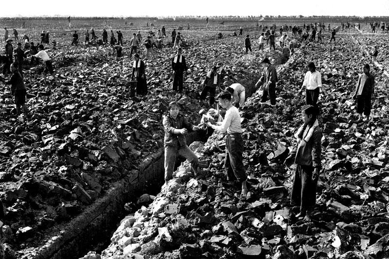 La agricultura china en blanco y negro. Foto tomada de culturaproletaria.wordpress.com