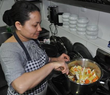 Sushila, la cocinera nepalí.