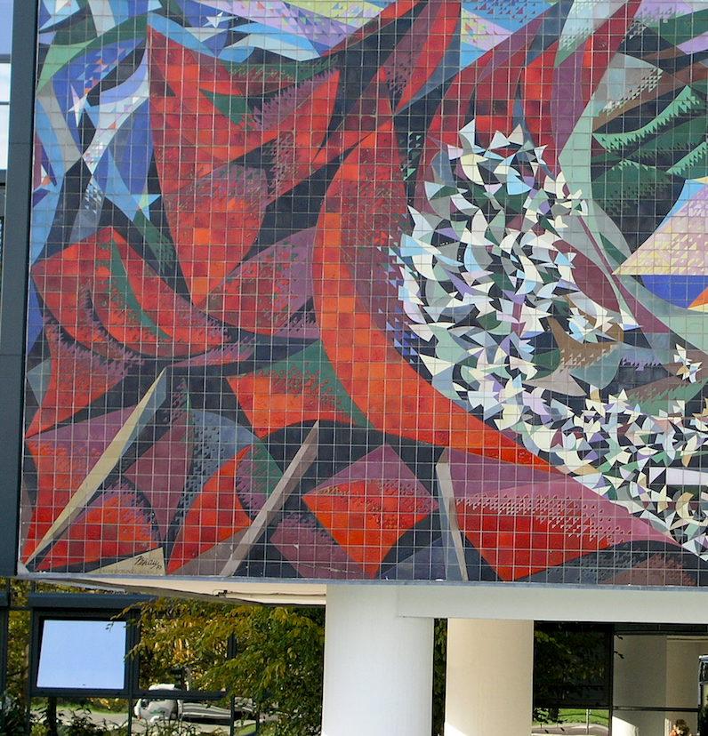 Las banderas rebeldes del mural de Thaelmann Platz