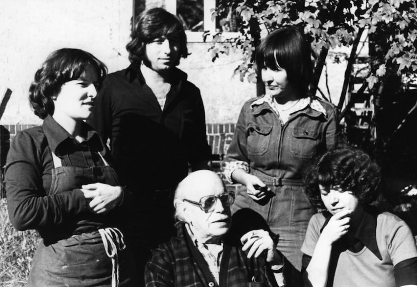 Marta Hofmann, la primera de la izquierda, con otros alumnos de Renau en los años 70. Foto archivo Marta Hofmann