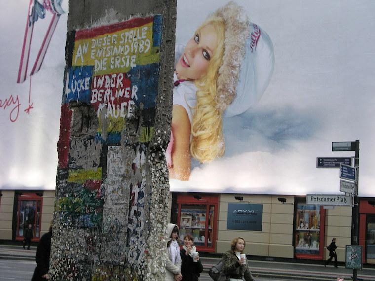 Un resto del muro en Potsdamerplatz. Foto F.B.