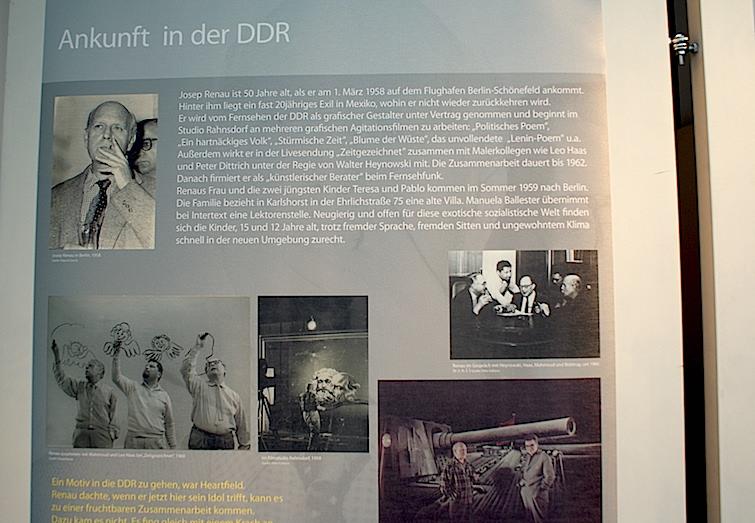 Uno de los paneles de la exposición sobre Renau en Berlín en 2009, relativo a su trabajo en la televisión de la RDA
