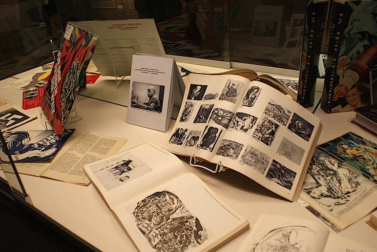 Objetos de Renau en una exposición de 2009 celebrada en Berlín .