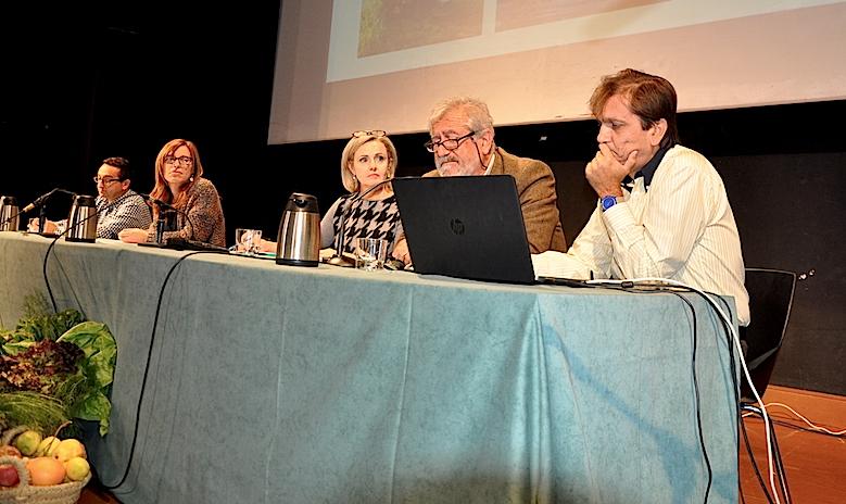 De derecha a izquierda, Alfons Domínguez, Josep Roselló, isabel Gomis, Maite Chafer y Vicente Zamorano, de la Conselleria de Agricultura, durante la presentación del PVPE
