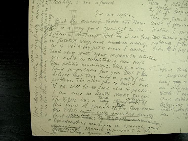 Borrador de la carta de Renau a Heynowski sobre el traductor Duala. Fundació Josep Renau.