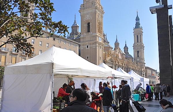 Otro aspecto del mercado de la Plaza del Pilar.