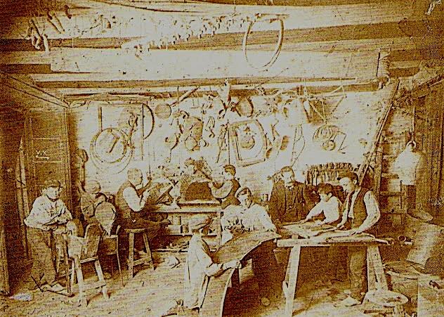 Taller de carpintería hacia 1910. Imagen tomada de El Argonauta Valenciano
