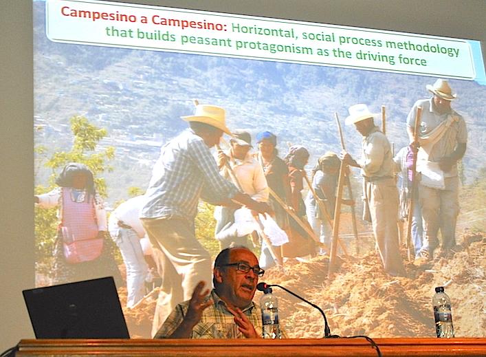 Miguel Altieri durante su presentación en Vila-real