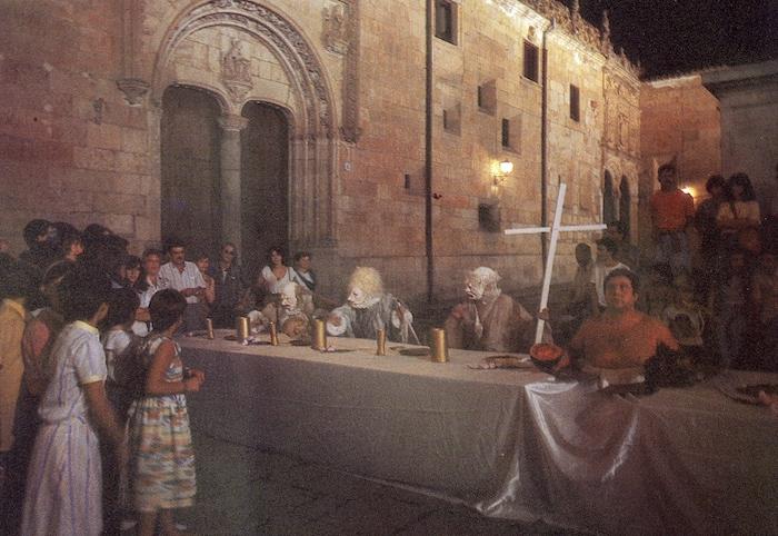 "La mesa de banquete de ""Enésimo viaje a Eldorado"""