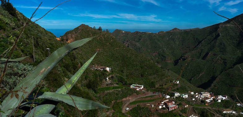 Uno de los valles de la costa norte, visto desde el parque natural de Anaga.
