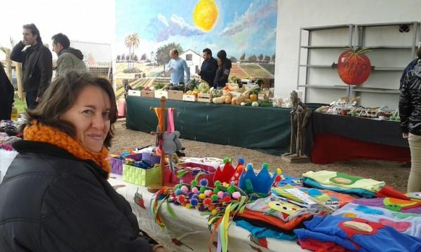 Teresa, de Burjassot, y sus fieltros artesanos.